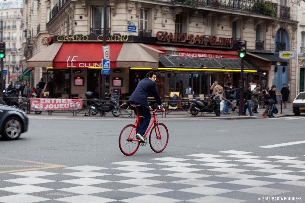 13_biking_in_paris
