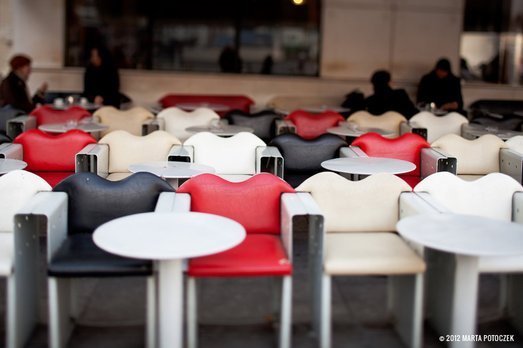 14_chairs_paris