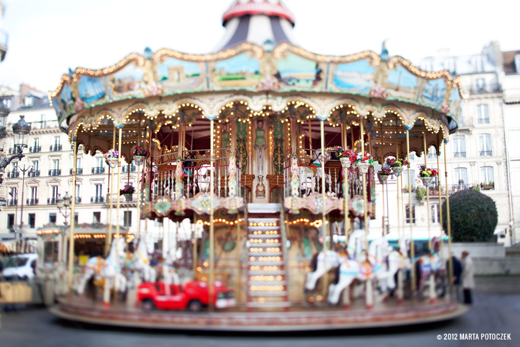 7_carousel_paris
