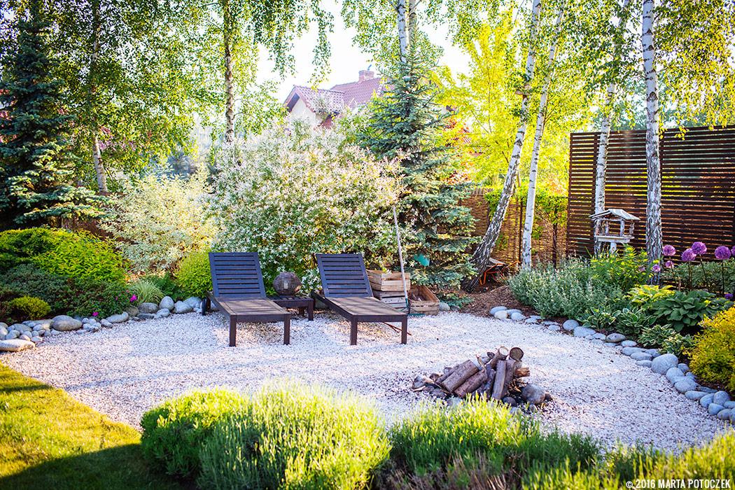 miejsce do wypoczynku w ogrodzie