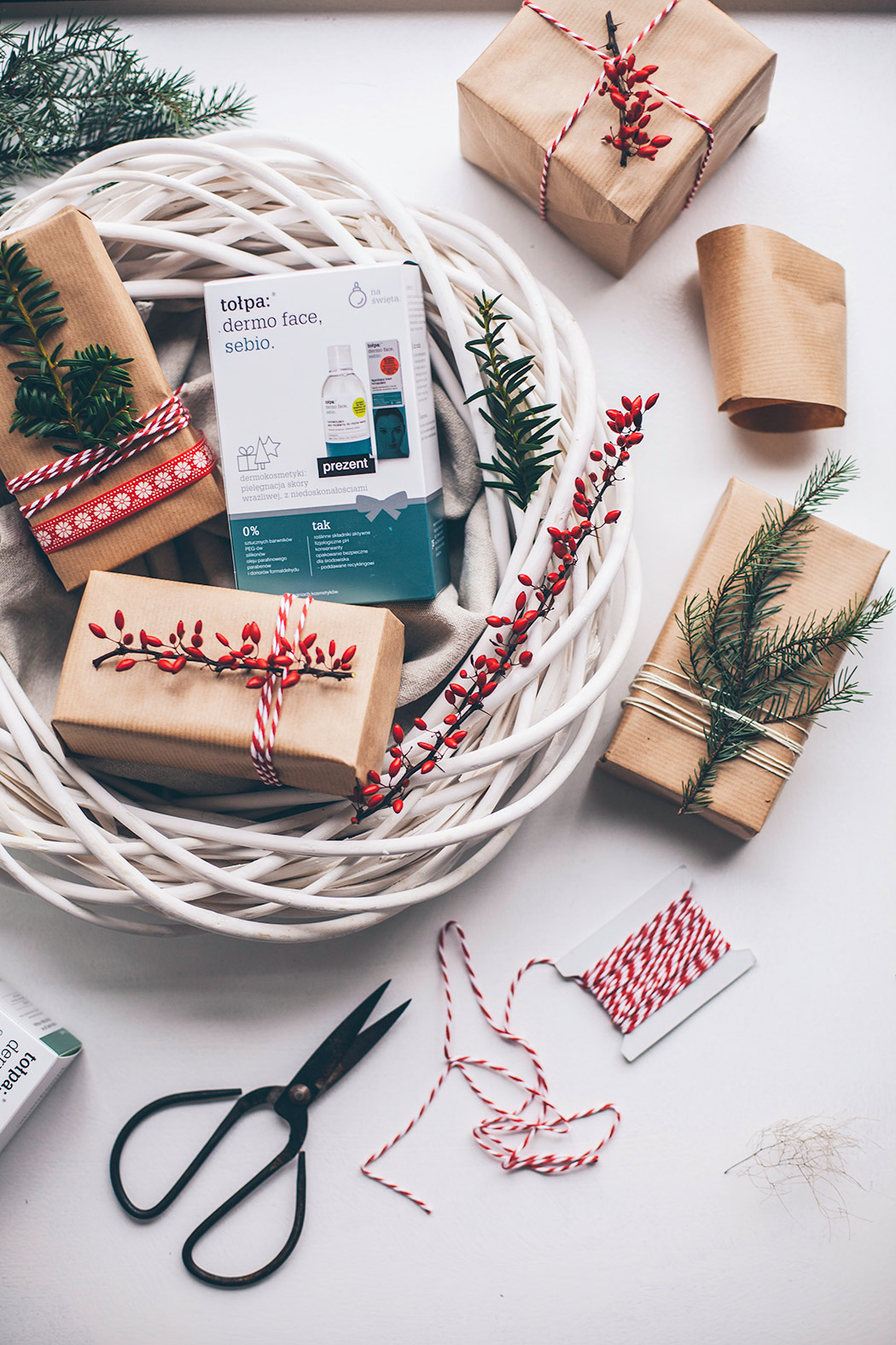 kosz z prezentami