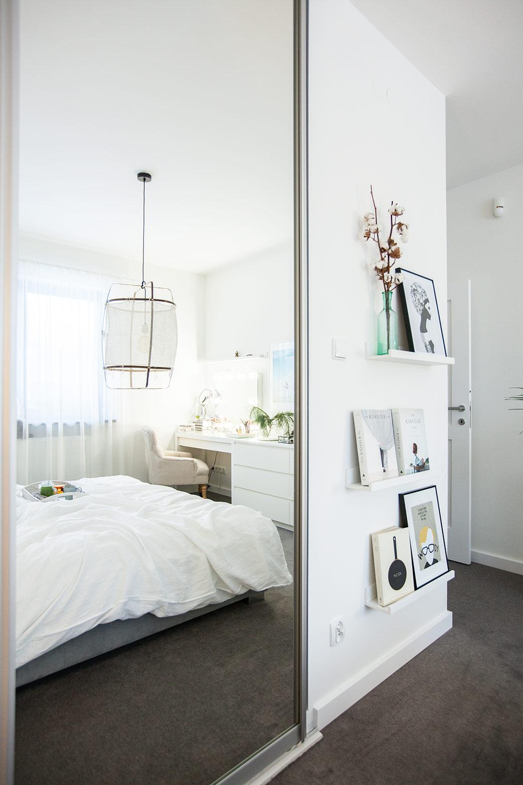 lustro-w-sypialni