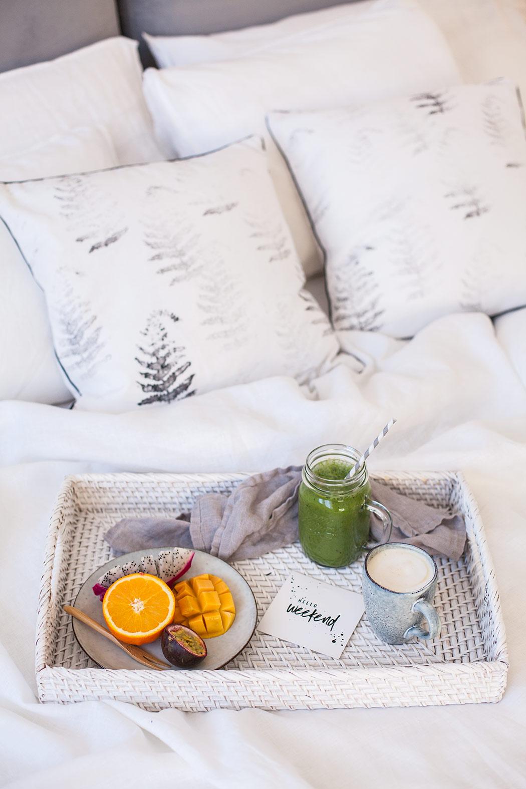 sypialnia--sniadanie-do-lozka