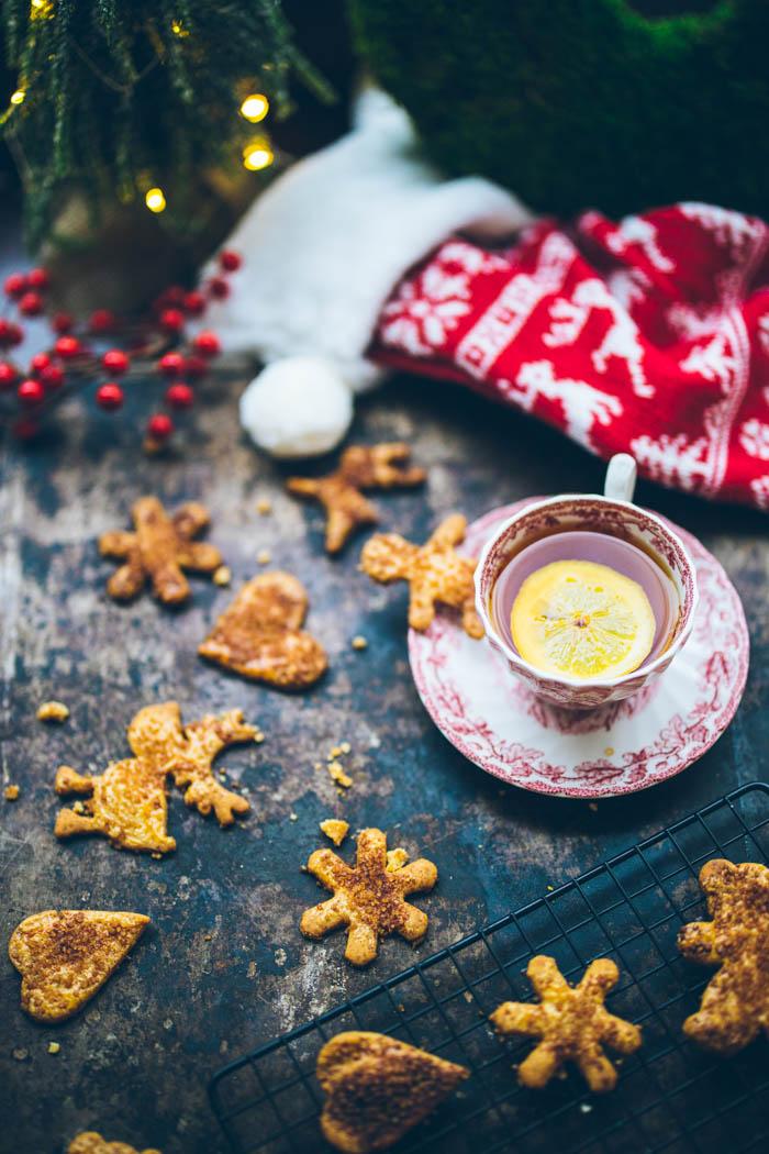 Świąteczne kruche ciasteczka maślane z cynamonem